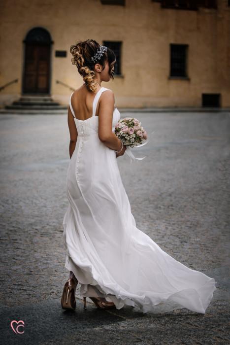 Matrimonio al Municipio di riva presso chieri, ritratto sposa