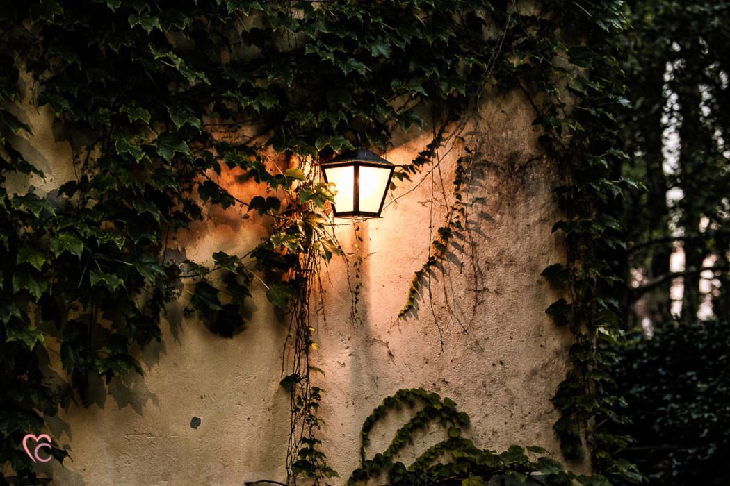 Ricevimento nuziale al Mulino della torre di Riva presso Chieri, giardino, lanterna