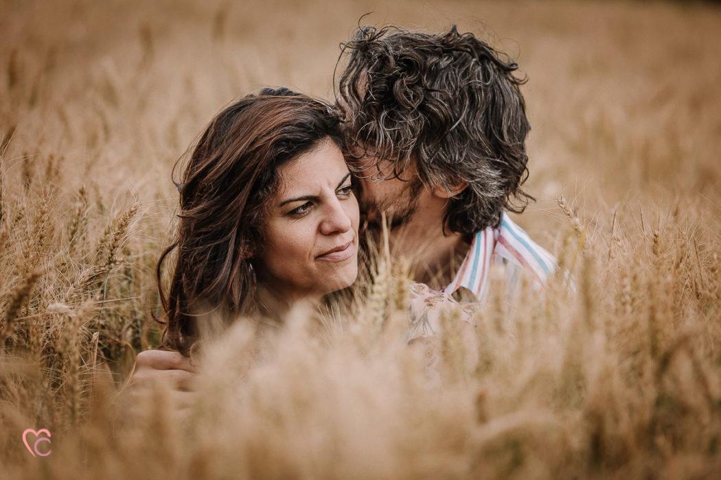 Love session outdoor, servizio fotografico di coppia in Piemonte di Daniela e Gianluca