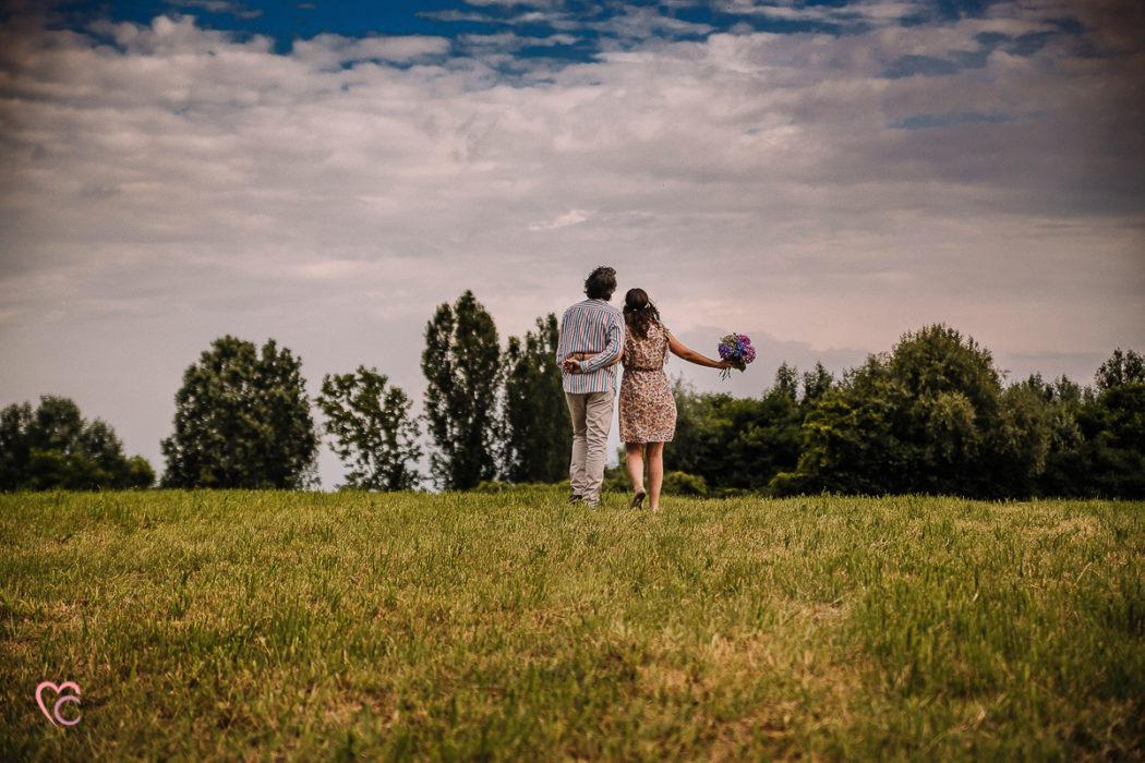 Fotografo matrimonio Torino, servizio fotografico di coppia a Chieri, love session, engagement session outdoor, di Daniela e Gianluca