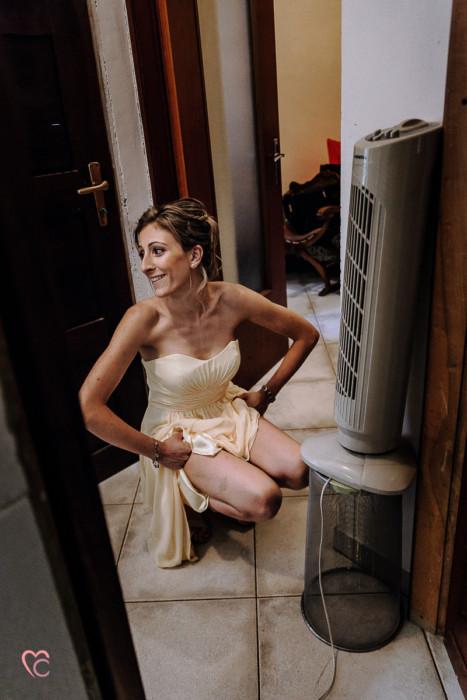Matrimonio alla Morra,preparazione della sposa, make-up, damigella che ha caldo