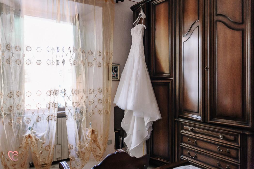 Matrimonio alla Morra,preparazione della sposa, abito di Nicole spose