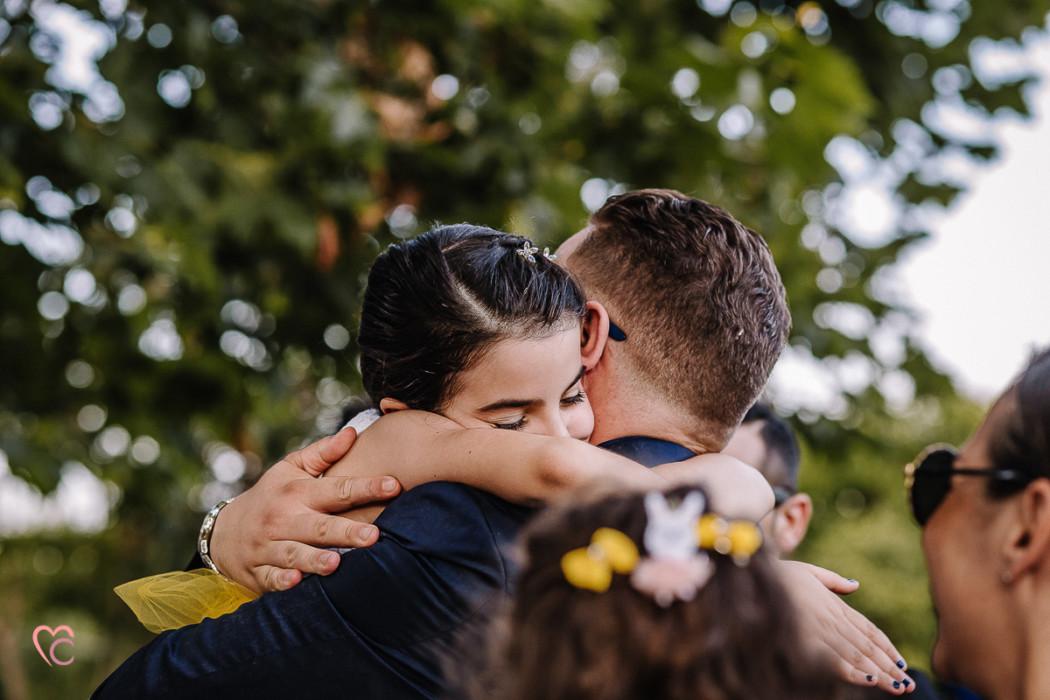 Matrimonio a La morra, cerimonia, baci e abbracci