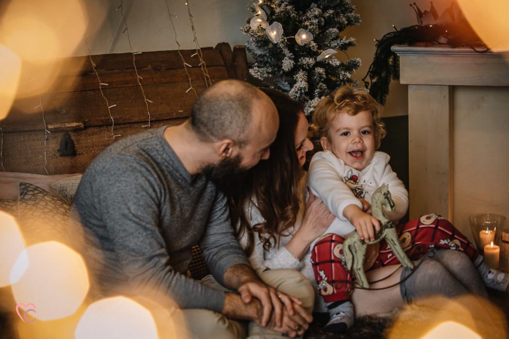 Sessione fotografica di famiglia natalizia, fotografo di famiglia Torino,Natale,Luci di Natale,Bokeh