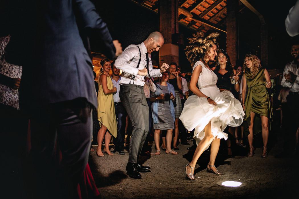 Matrimonio Bohochic alla Villa dei Marchesi di Moncrivello (Vercelli), festa serale, balli