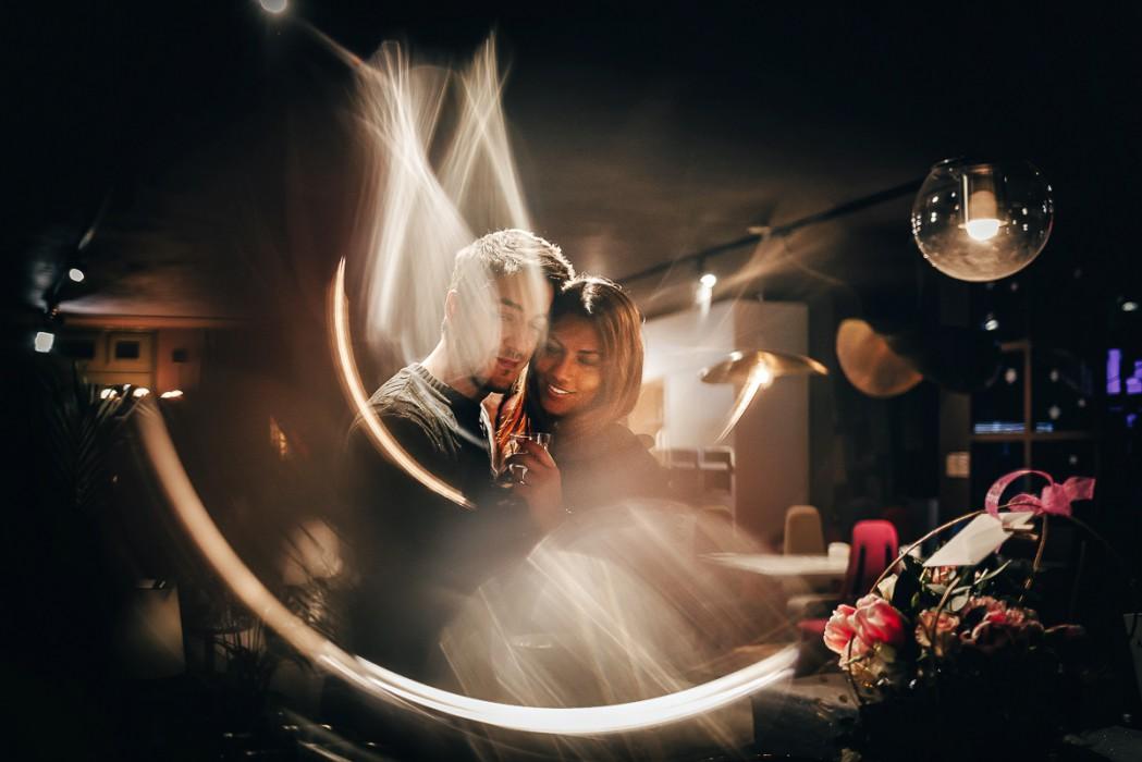 Proposta di matrimonio a tema san Valentino all'Atelier Bonetto di Chieri, Nina e Riccardo ring of fire