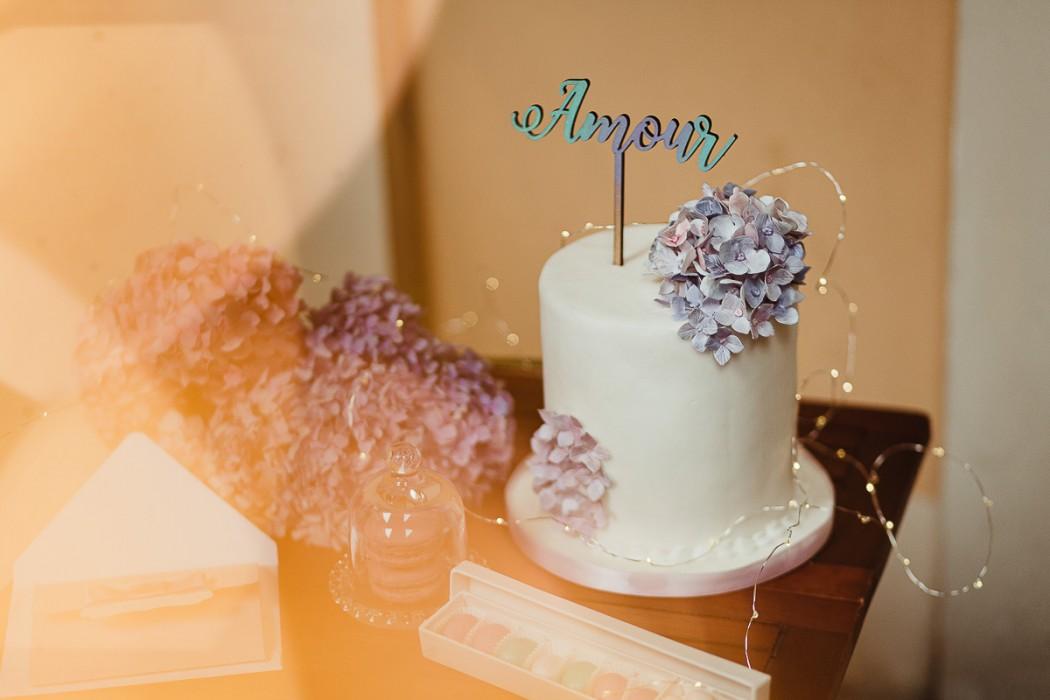 Shooting-fotografico-ed-elopement-di-famiglia-wedding-cake-e-topper